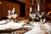 お祝いのテーブルの設定 — ストック写真