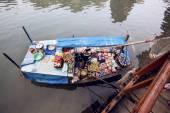 Floating market in Ha Long Bay, Vietnam — Stock Photo