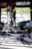 Copos vazios no restaurante — Fotografia Stock