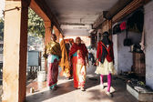 Women walking on street  in Jaipur — Stock Photo