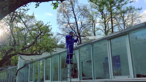 Window cleaning stock videos royalty free window cleaning for 2 good guys window cleaning