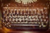 Starožitný psací stroj klíče, mělké zaměření — Stock fotografie