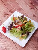 Zakončena kuřecí salát. — Stock fotografie