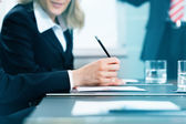 Business meeting with work on contract — Stock Photo