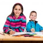 dos niños felices aprenden a reunir — Foto de Stock   #75072875