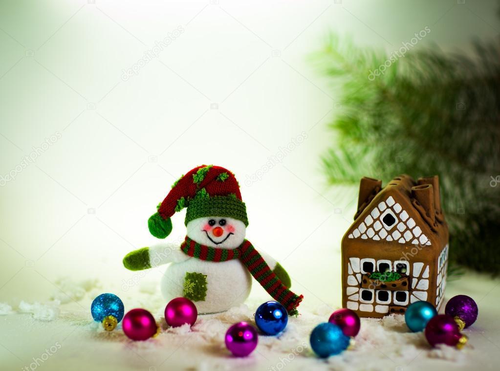 在姜饼屋和可爱的手工制作雪人