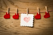 Tarjeta de mensaje de corazón rojo y corazón rojo... Imagen del día de San Valentín. — Foto de Stock