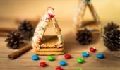 Speculaaspop, cookies, steranijs, kaneel en kookboek — Stockfoto