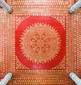 Traditional Thai ceiling — Foto Stock