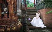 Bride in magic tropikal garden, Thailand — Stock Photo