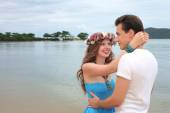 Honeymoon. Newlyweds on the tropical island, Thailand — Stock Photo