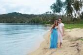 Honeymoon. Newlyweds on the tropical island, Thailand — Stockfoto