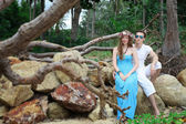 Honeymoon. Newlyweds on the tropical island, Thailand — ストック写真