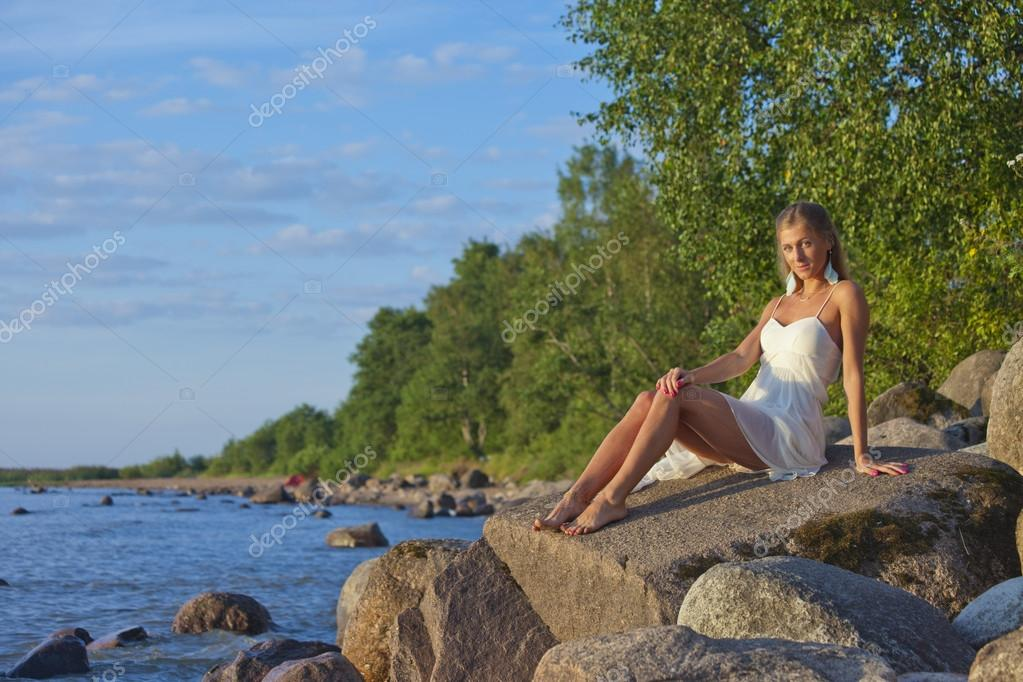 ароматом ночь видео девушек юных на озере горячей