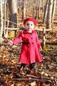 Chica de rojo — Foto de Stock