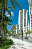 Street of Honolulu close to Waikiki beach on Oahu Island Hawaii — Stock Photo