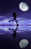 Kadın atlet siluet — Stok fotoğraf