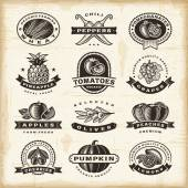 Vintage fruits and vegetables labels set — Stock Vector