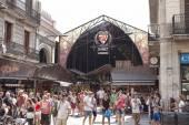 Boqueria Market - City Market in Barcelona. Entrance from the Ra — Stock Photo