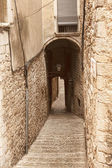 The narrow streets of the ancient quarter in Girona — Stock Photo