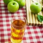 Fresh apple juice — Stock Photo #61005611