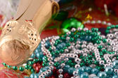 Beautiful ornaments, champagne, pearl and balls as a New Year decoration — Stockfoto