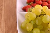 Un primer plano de la uva, tomada con un lente macro — Foto de Stock