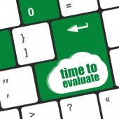 Bilgisayar klavye - sosyal ağ kavramı üzerinde kelime değerlendirme süresi — Stok fotoğraf