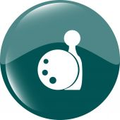 Bowling game sign icon. Ball with pin skittle symbol vector — 图库矢量图片