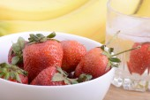 Healthy strawberry with fruits — Stock Photo