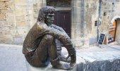 Sculpture in a village in the Perigord — Stock Photo