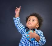 Happy preschooler discovering world — Stock Photo