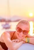 Cheerful girl in sea cruise — Foto Stock