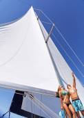 Happy couple on sailboat — Stock Photo