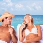 Happy couple on the beach resort — Stock Photo #77591836