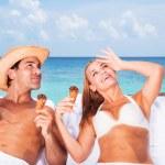 Honeymoon on the beach — Stock Photo #77592372