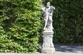 园林雕塑在维拉公园,华沙 — 图库照片
