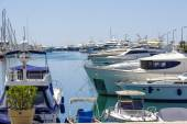 Yachts moored in the marina in Cannes  — Stock Photo