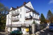 Building named Paradis in Zakopane — Stock Photo