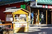 Selling cheese at Krupowki in Zakopane — Stock Photo