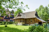 The hut built of wood in Zakopane — Stock Photo
