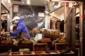 Madrid, Espagne - 18 décembre : vendant toutes sortes d'objets à la Ch — Photo