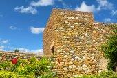 Внутренние дворы и сады известного дворца Алькасабы в m — Стоковое фото
