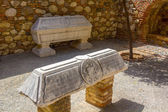 Tombs of Arabic style in the famous Palace of the Alcazaba in Ma — Stock Photo