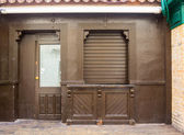 Wooden entrance to old house — ストック写真