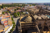 Cathedral of Santa Maria de Sevilla view from the Giralda in Sev — Stock Photo