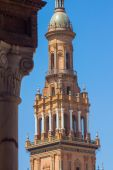 Bell Tower in the famous Plaza of Spain in Seville, Spain — Stock Photo