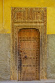 Old door of a traditional Moroccan house — Stock Photo