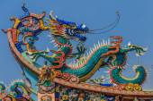 Dragon temple roof decoration — Stock Photo
