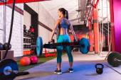 Hex Dead Lift Shrug Bar Deadlifts woman at gym — Стоковое фото